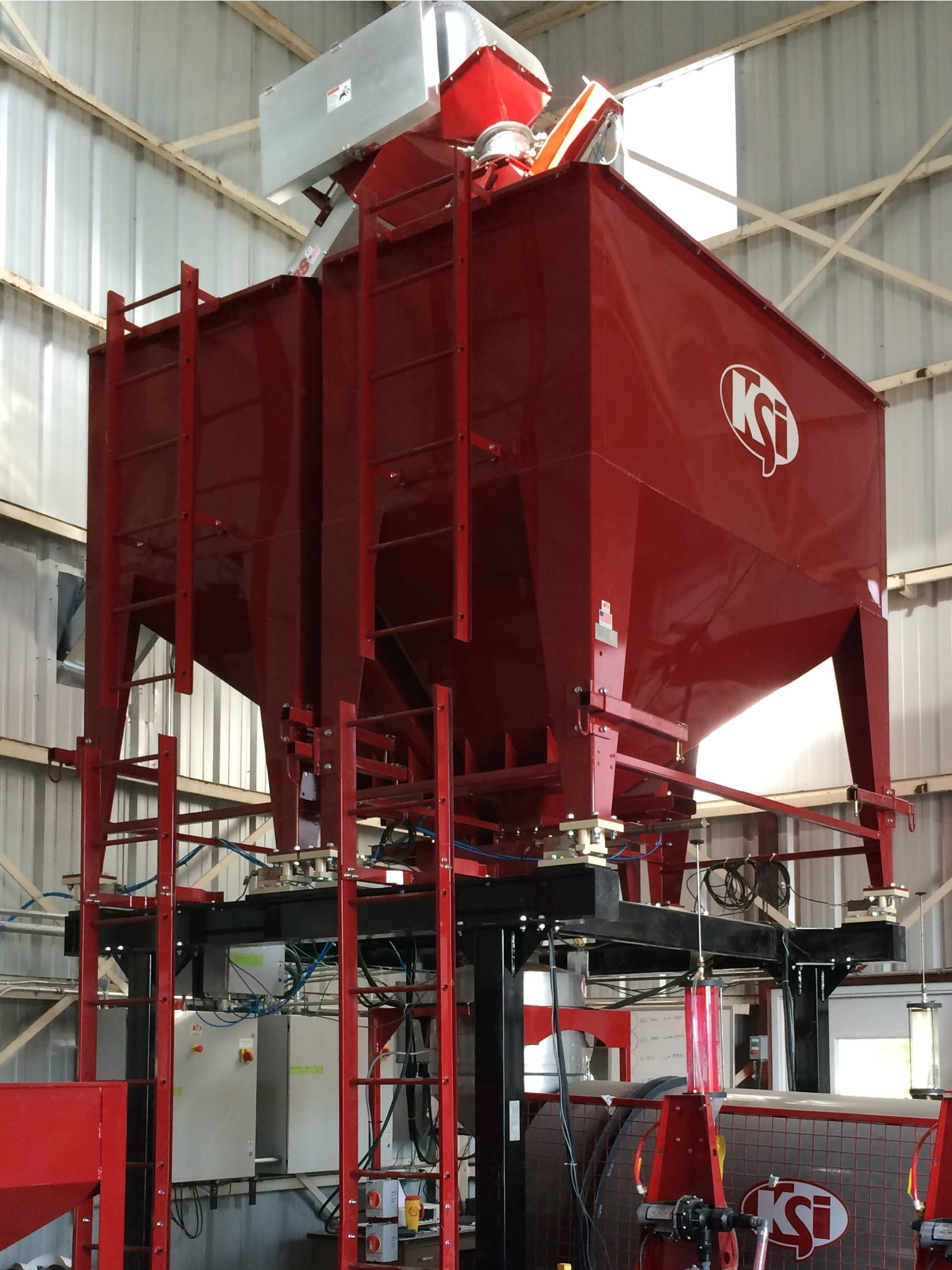 Ksi Hoppers Surge Scaling Staging Ksi Conveyors